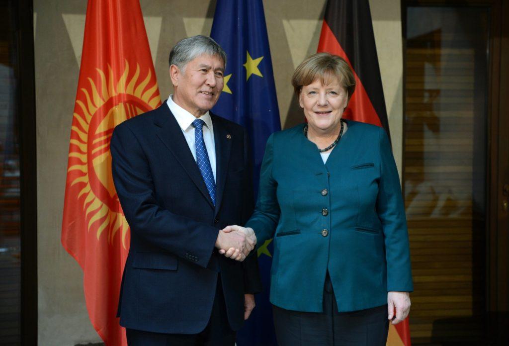 Atambajew Merkel