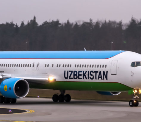 Usbekistan Airways Flugzeug