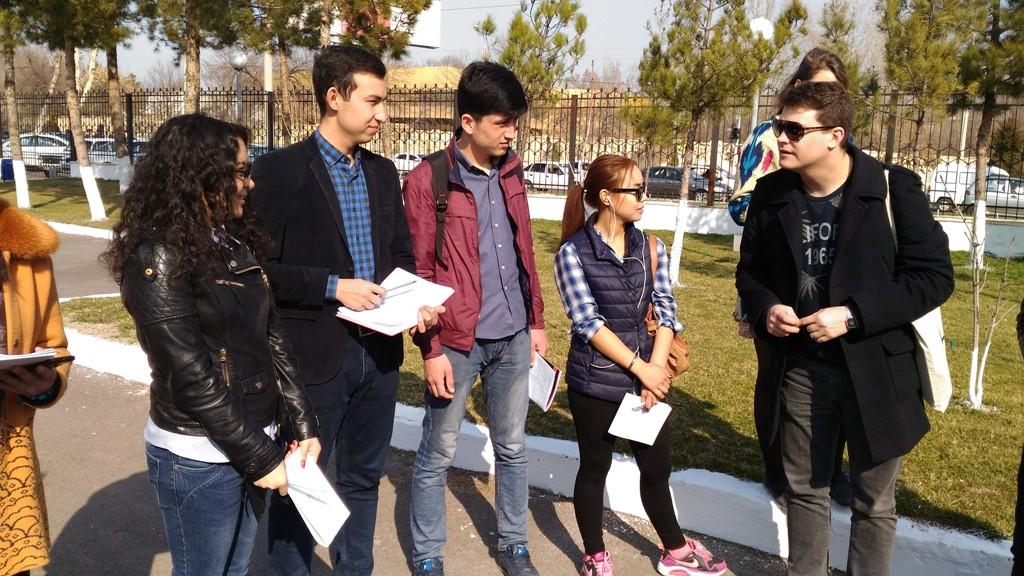 Die Teilnehmer bei den ersten Proben