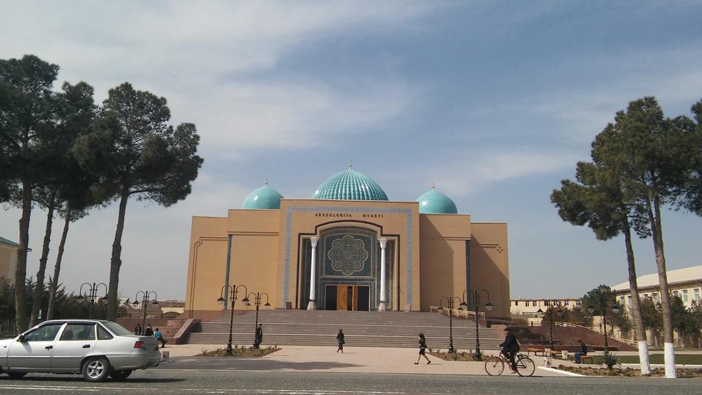 Das Archäologiemuseum in Termez – ein Neubau in pseudohistorischem Stil; Foto: C-1