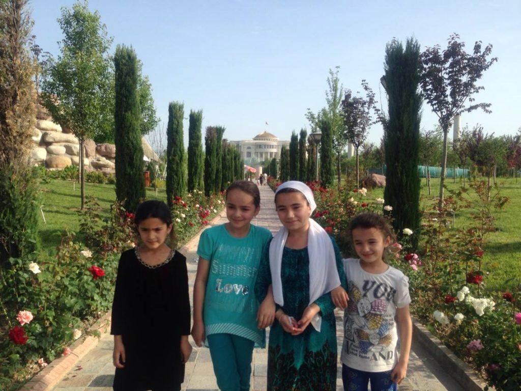 Menschen Zentralasiens Tadschikistan Duschanbe Schinosa