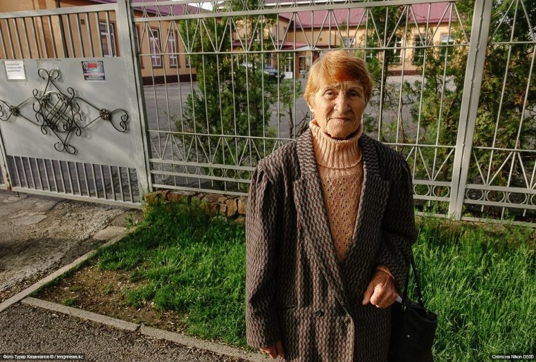 Alte Dame Schymkent
