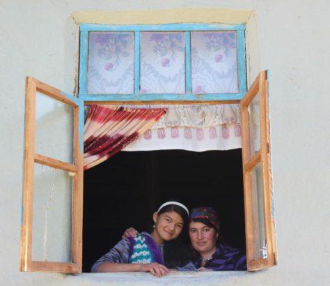 Schwestern Usbekistan
