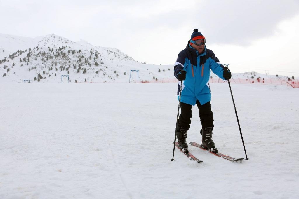 Emomalii Rachmon Ski Sport