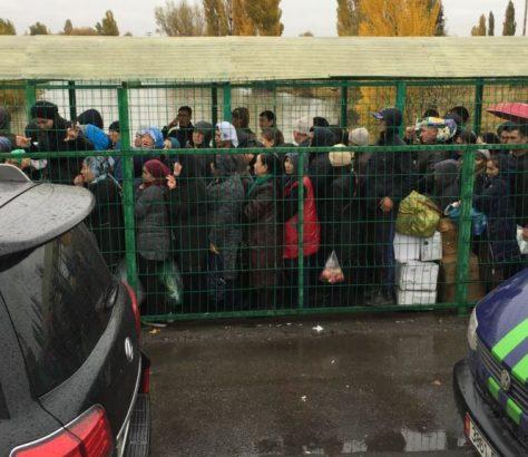 Menschen Grenze Kasachstan Kirgistan