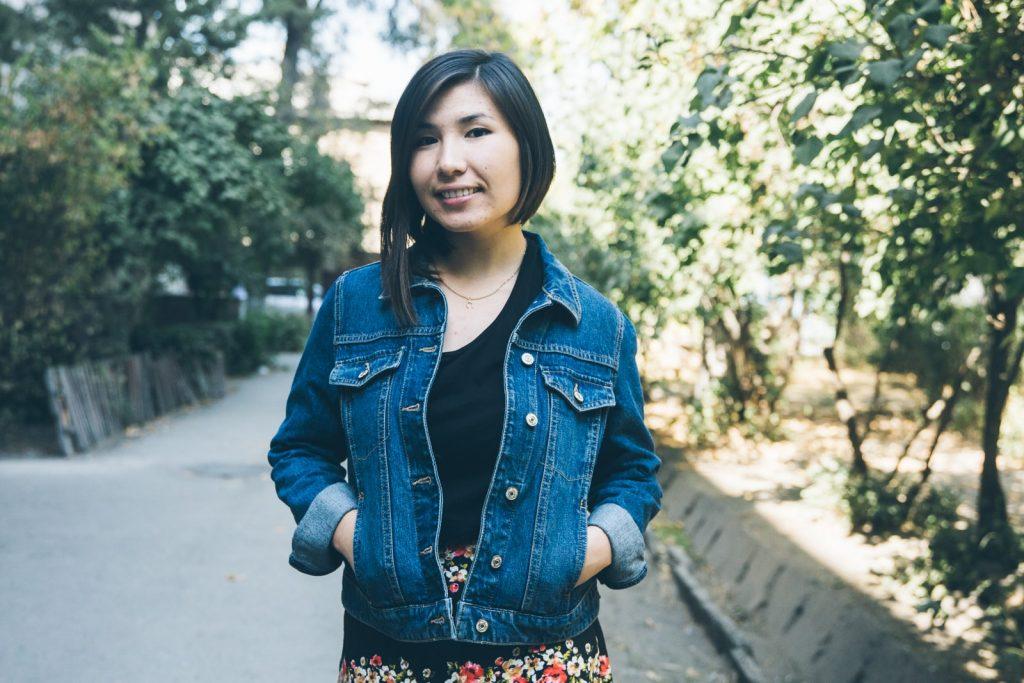 Kirgistan Porträt Elwira Jugend