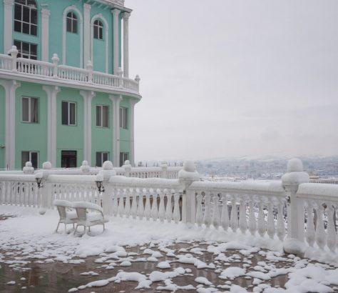 Balkon Duschanbe Tadschikistan Zwillingstürme Winter Blick