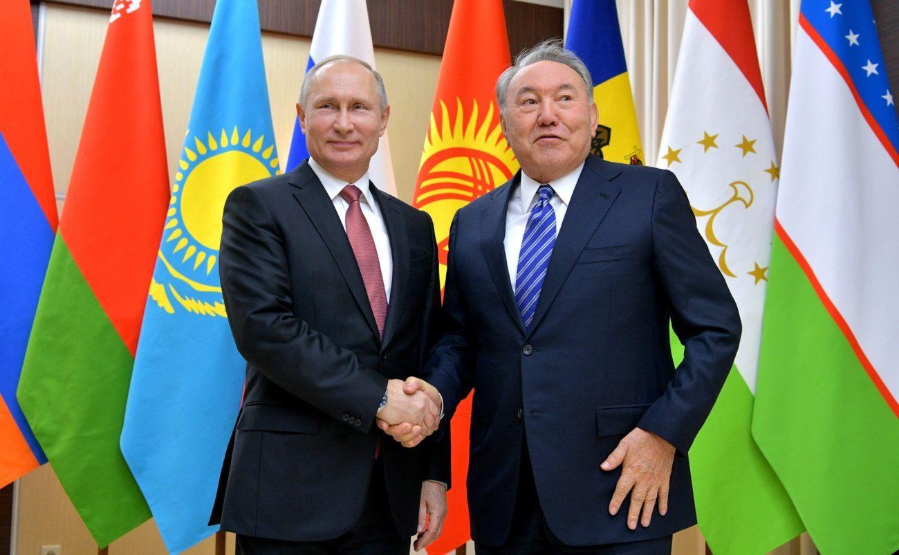 Die Präsidenten Wladimir Putin und Nursultan Nasarbajew