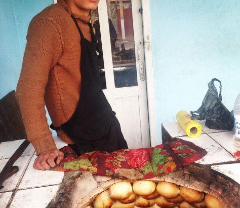 Tandir,Tandoor, Kirgistan, Zentralasien, Bäcker, Food