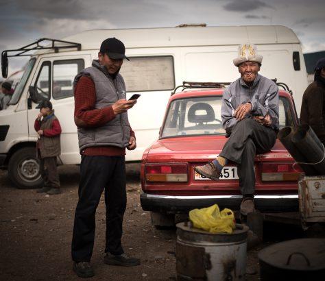 Gegen Ende eines Viehmarktes in Kirgistan