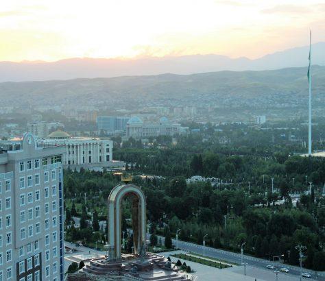 Duschanbe Duschanbe-Plaza Tadschikistan Sumoni-Statue Panorama