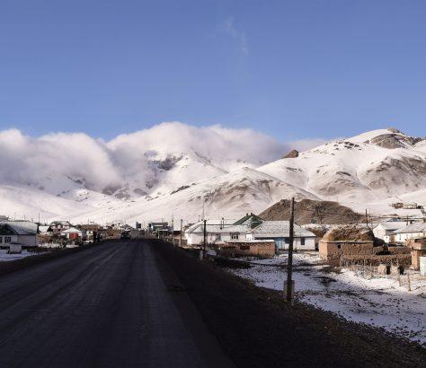 Auf dem Pamir-Highway in Sarytsash