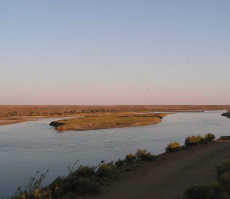 Der Syrdarja in der Nähe der kasachstanischen Stadt Baikonur