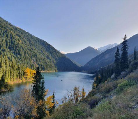Kolsay Colorado See Kasachstan Bild des Tages