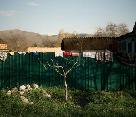 Harmonie von mensch und Natur in einem kirgisischen Dorf