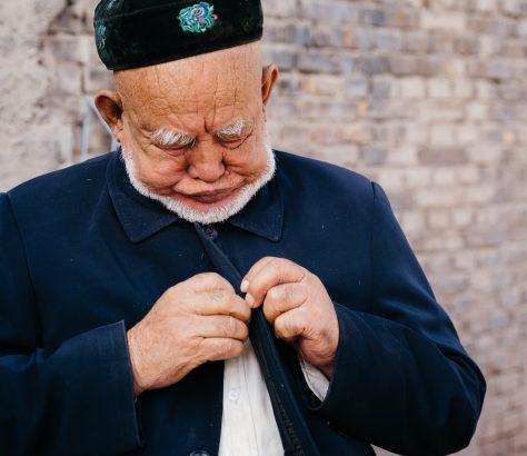 kaschgar uigurische region herr alter Mann hut