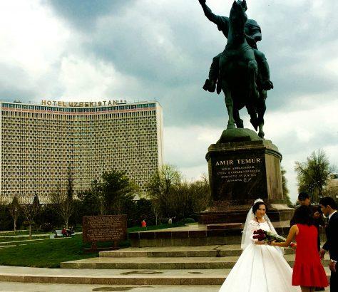 Taschkent Hochzeit Braut Amir Timur Blumen Tamerlan Usbekistan