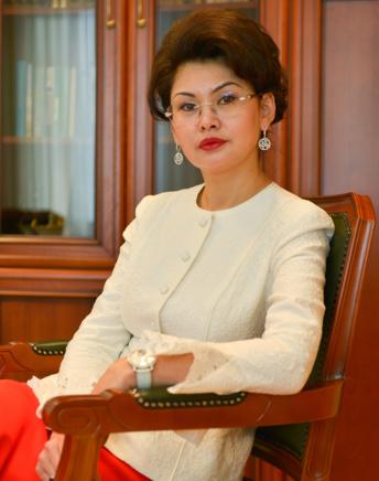 Aida Balaeva, Ministerin für Information und soziale Entwicklung