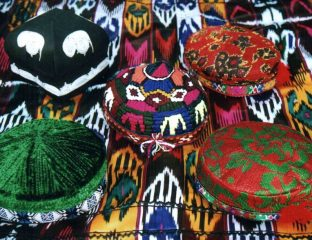 Tübetejkas Kopfbedeckung Tadschiken