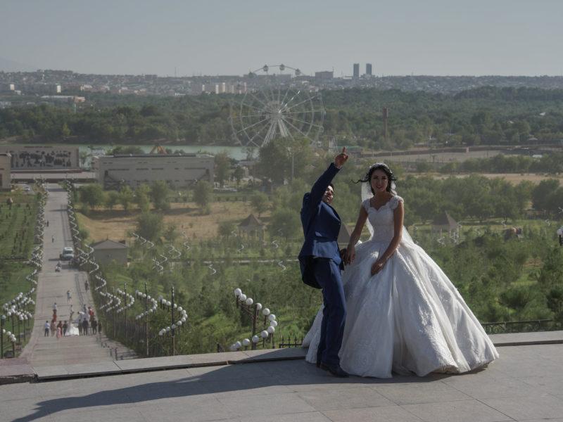 Hochzeitspaar Fotoshooting Shymkent Aussicht Panorama