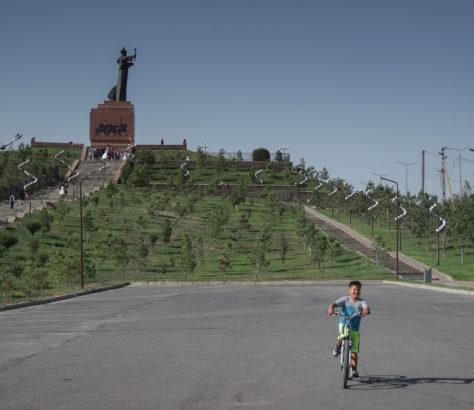Kasachstan Schymkent Fahrrad Statue