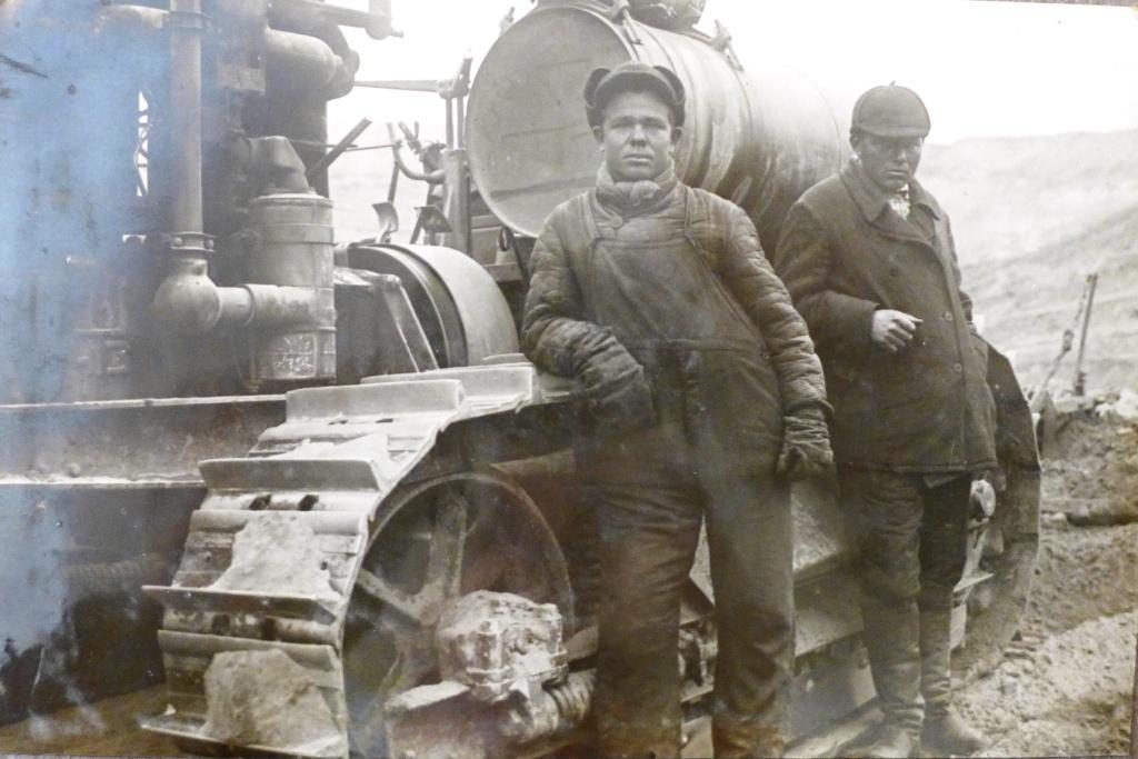 Die besten Baggerführer von Wachschstroi: Nikolai Paschkow und Wassili Sheljajejew