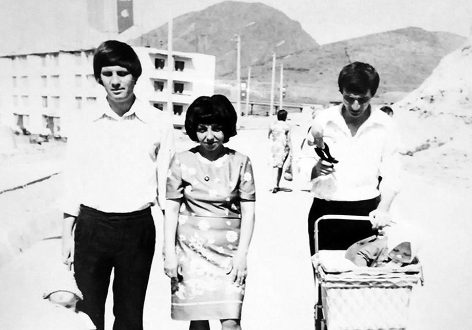 Junge Familien kommen nach Taschobar, um die Stadt zu entwickeln. Foto aus dem Privatarchiv der Freundinnen