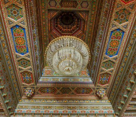 Khujand theater Kronleuchter Tadschikistan