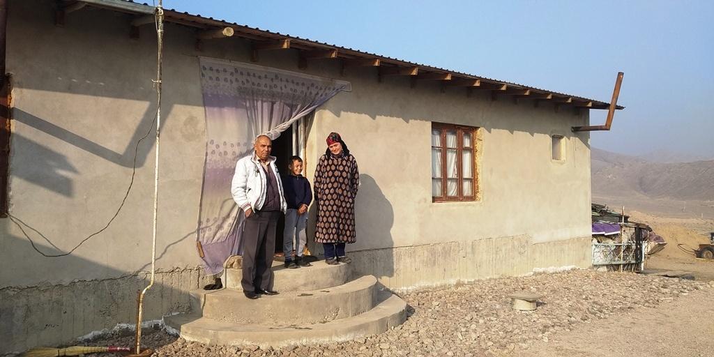 Eine Familie im Dorf