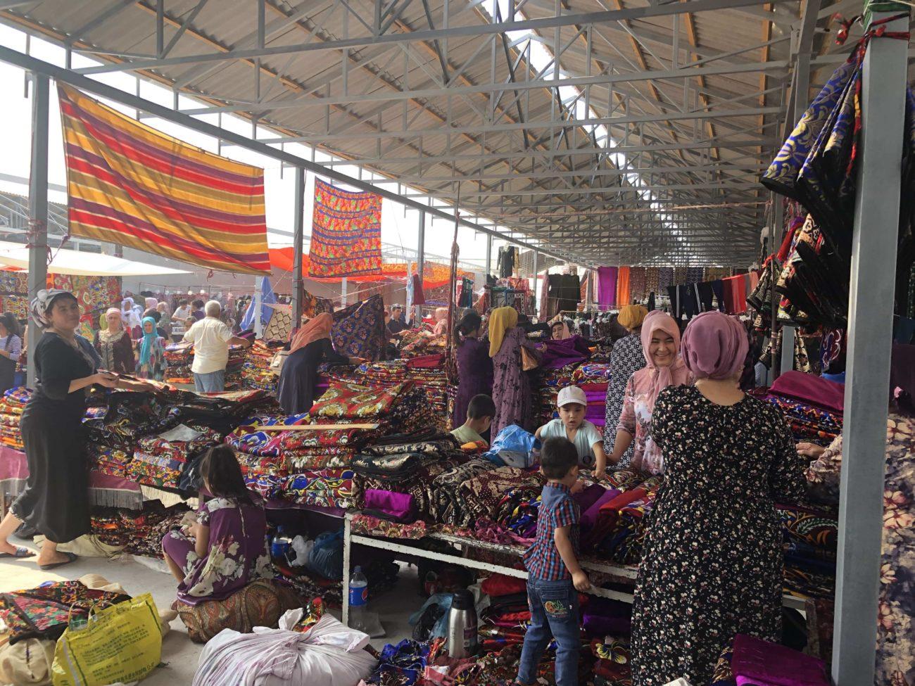 usbekistan fargona margilon Tuchmarkt