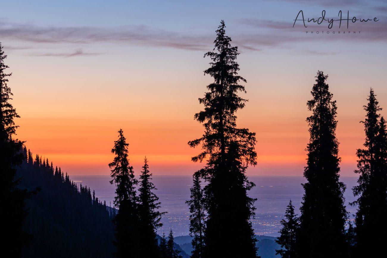 Sonnenuntergang berge Kasachstan almaty