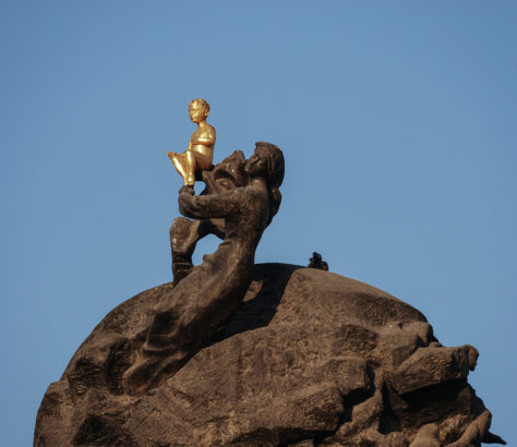 Bild des Tages Turkmenistan Aschgabat Skulptur Monument