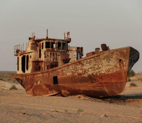 Bild des Tages Usbekistan Moynaq Aralkum Wüste Fischerboote