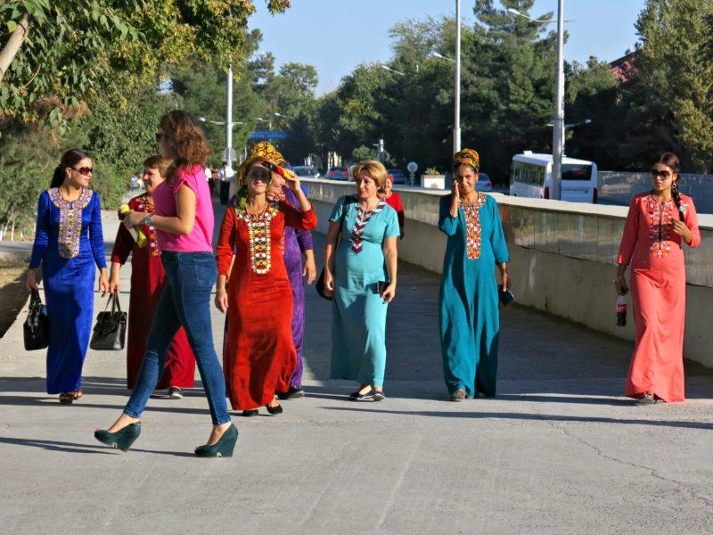 Bild des Tages Turkmenistan Ashgabat Fashion Style