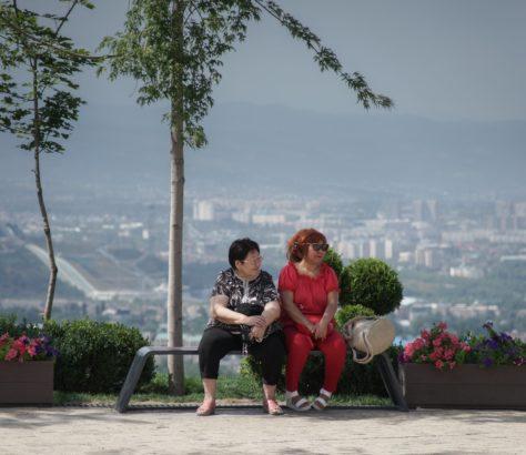 Park Almaty Kasachstan Pause in der Sonne