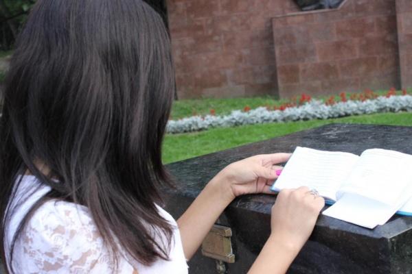 Studentin in Tadschikistan