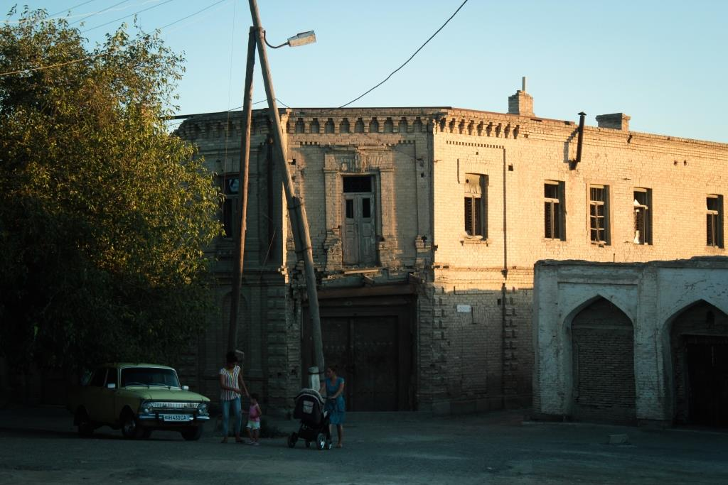 Ruine Boukhara Ouzbékistan Maison Famille voiture