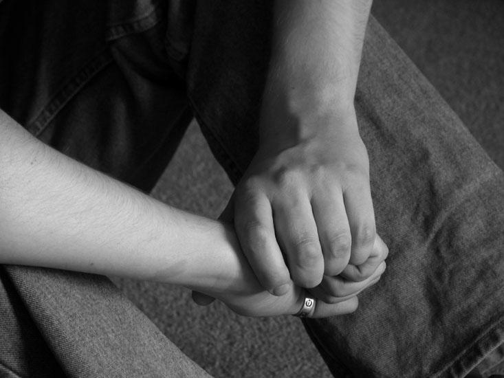 Se tenir par la main, un geste difficile pour les jeunes homosexuels au Kirghizstan