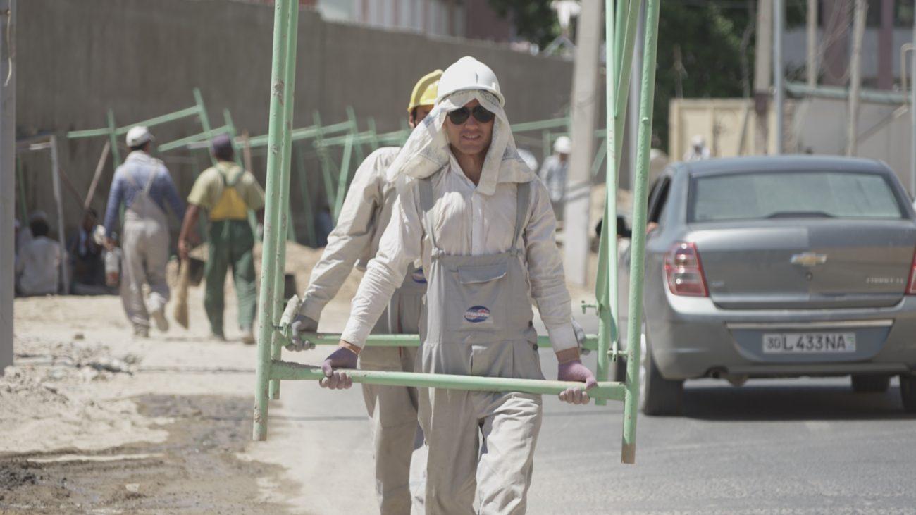 Ouvriers sous la chaleur de Samarcande Ouzbékistan