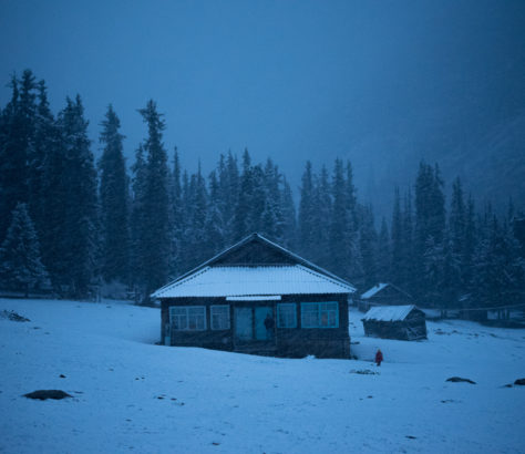 Ferme montagnes Kirghizstan neige