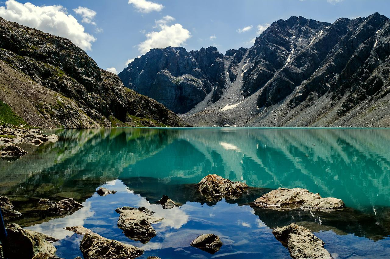 Ala Koul Lac Kirghizstan Eau Turquoise