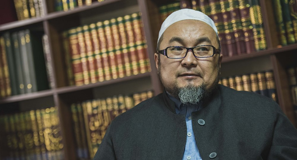 Ex-moufti Tchoubak Ajy Jalilov Origine Polémique Polygamie