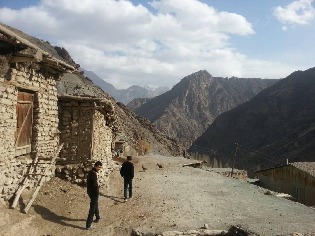 Voru Tadjikistan Village Montagne Pauvreté
