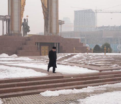 Ismaïl Samani Statue Douchanbé Hiver Tadjikistan Neige
