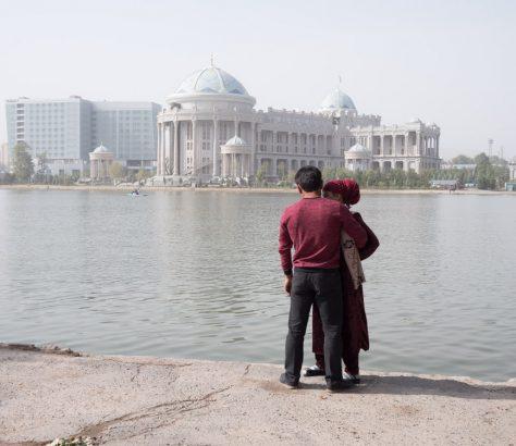 Amoureux Tadjikistan Douchanbé Lac de la jeunesse
