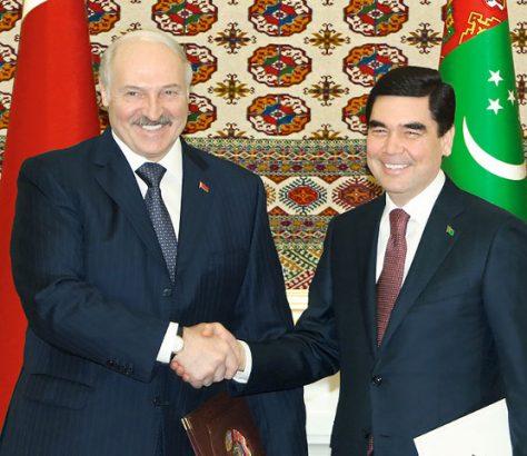 Les présidents turkmènes et biélorusses