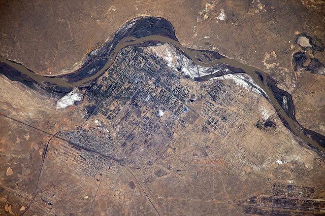 Baïkonour vue spatiale satellite fleuve