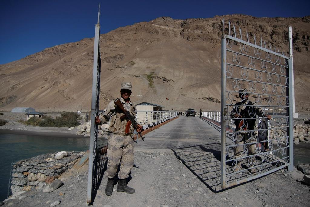Pont Tadjikistan Afghanistan Région Ichkachim
