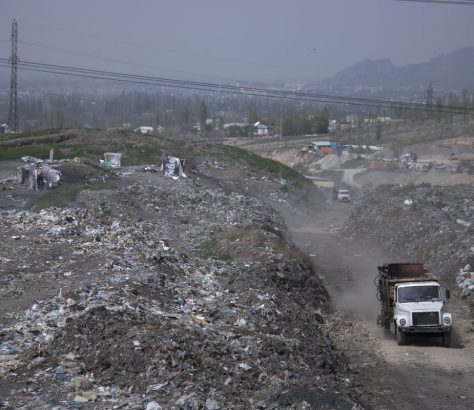 Och Stockage Déchets Camion Environnement Kirghizstan
