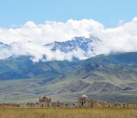 At-Bachi Naryn Kirghizstan Cimetière
